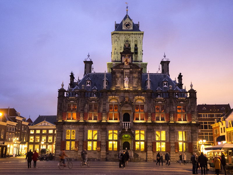Delft townhall at dusk.