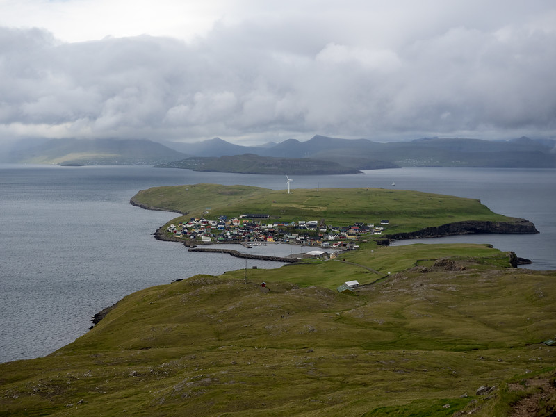 Beautiful view of Nolsoy and the mainland beyond.