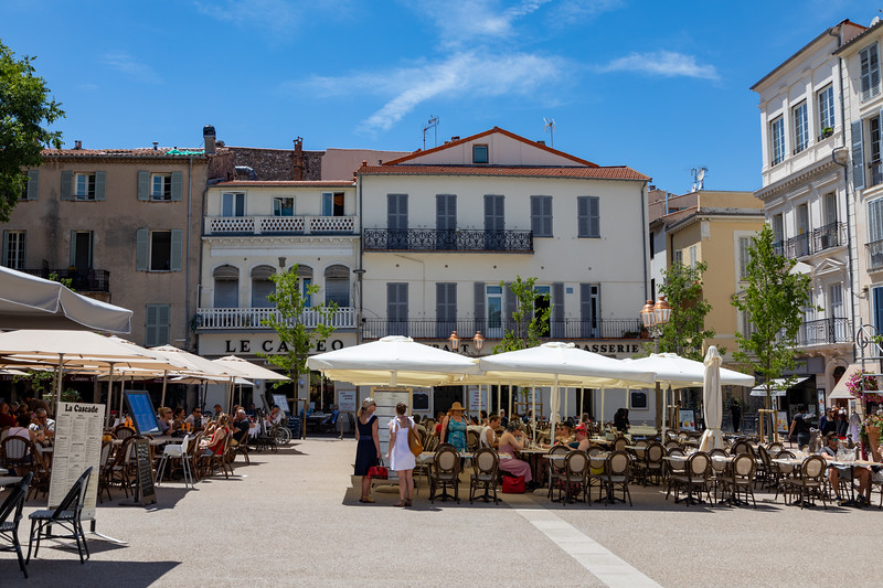 A Courtyard called Place Nationale in Antibes