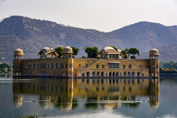the Lake Palace - seemingly floating