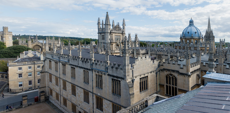 The Tower of the Five Orders (centre) and Radcliffe Camera (right)