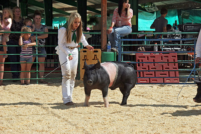 This girl had the winning pig.
