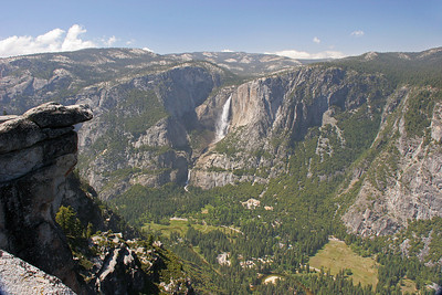 Looking across Yosemite Valley from Glacier Point, with Yosemite Falls on the far wall.