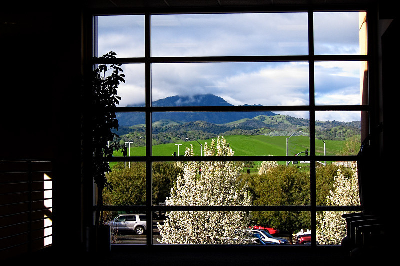 A view of Mount Diablo from inside the lobby of Kaiser Medical Center.