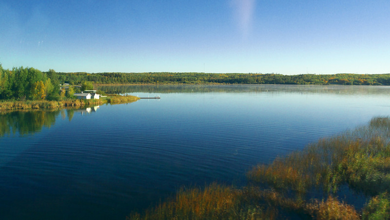 We leave Edmonton, on time shortly before 8:00 and have a glorious sunny day for travelling through the Rockies. This is Lake Wabamun just west of Edmonton.