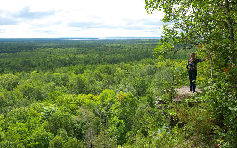 One of the first lookouts on the Cup and Saucer Trail
