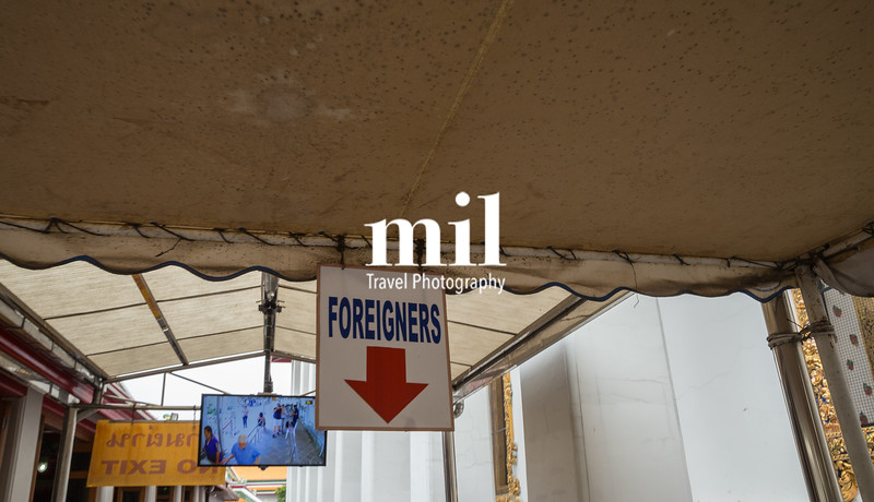 Foreigner sign in Bangkok