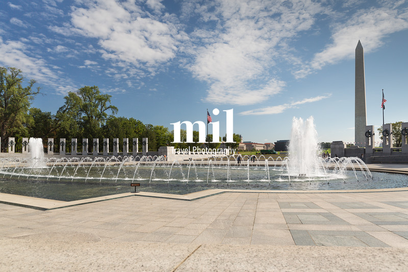 WWII Memorial with the Washington Monument