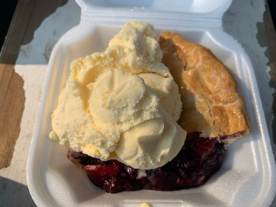 Boysenberry pie with ice cream at Beckie's café