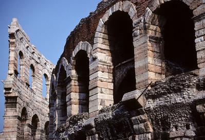 1999-04 Arena