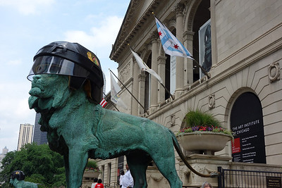 Even the stone lion outside the Art Institute was excited about the Blackhawks winning the Stanley Cup