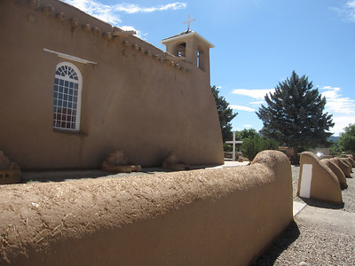 Ranchos de Taos -- San Francisco Church