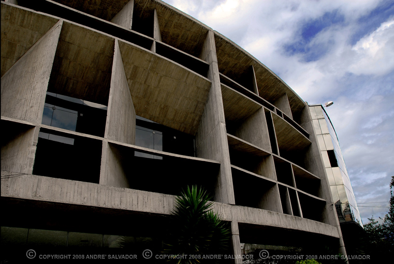 The building that houses the Modern Art Museum of Quito.