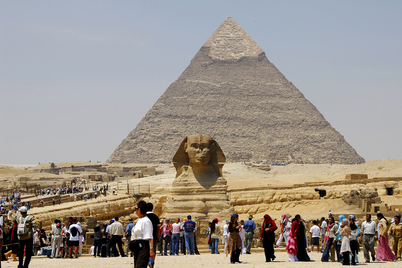 "This is a view of the Pyramid of Chepren and the Sphinx. A completely seperate gallery is set aside for <a href=""http://andresalvador.smugmug.com/gallery/2937751#158537357"">THE  PYRAMIDS AT GIZA</a>"