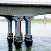 Bridges on the nile have painted murals on the columns.
