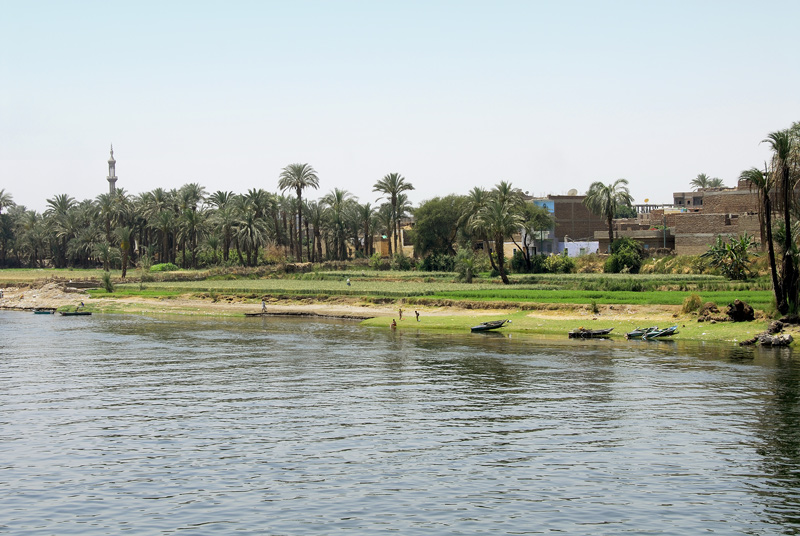 Just by looking at the banks of the Nile you can observe the life of the people. The images shown in this gallery is just that.