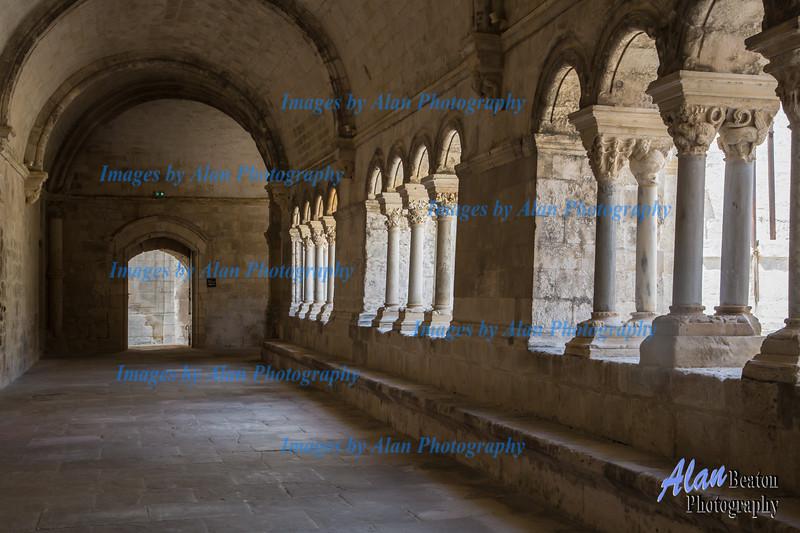 Abbaye de Montajour