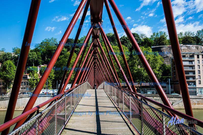 """""""Passerelle de l'homme de la Roche"""" bridge over Saone, Lyon"""