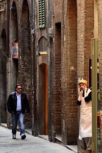 Siena Street Scene - M