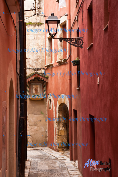 Tarragona Laneway