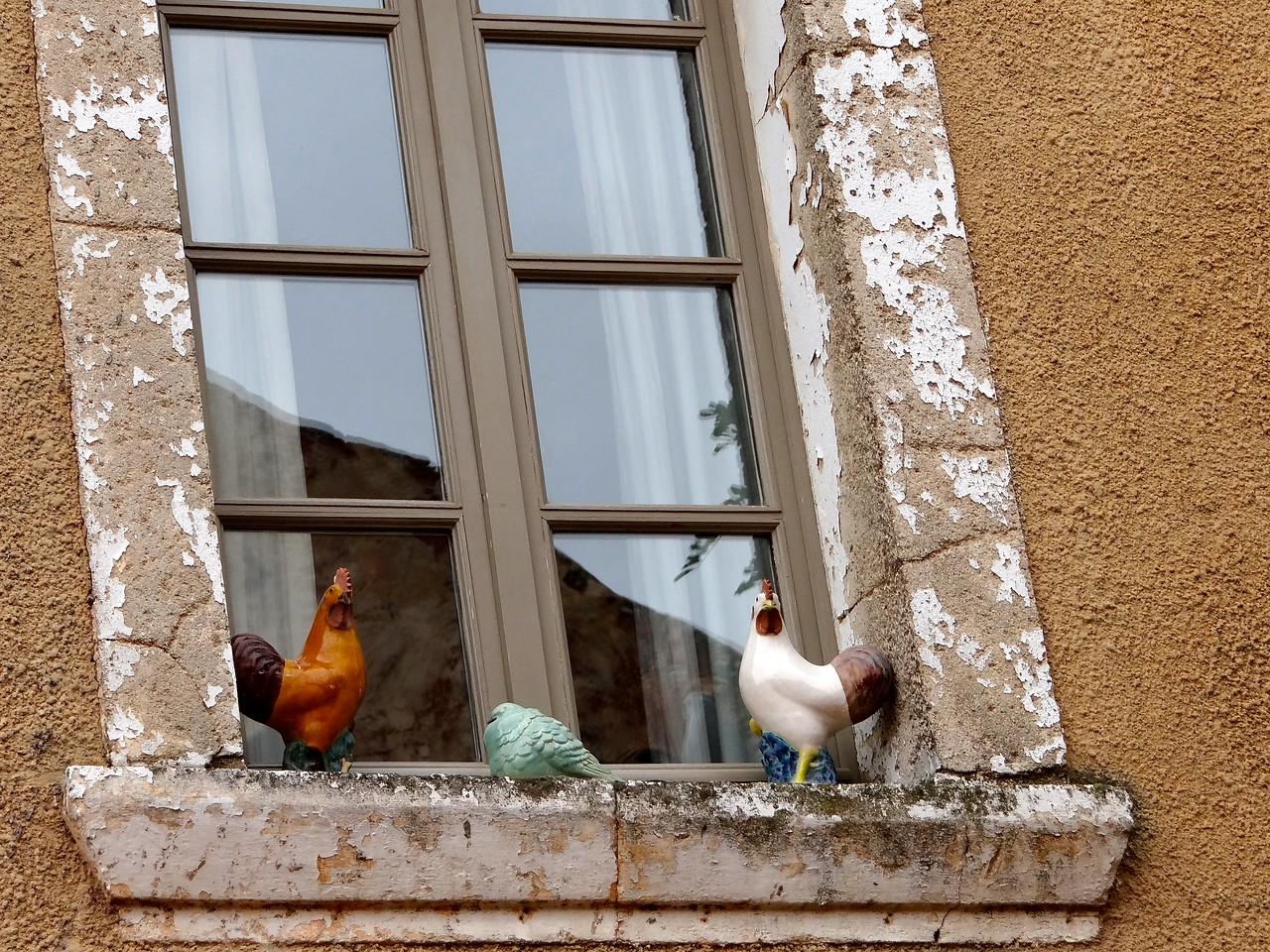 Roussillon window decoration