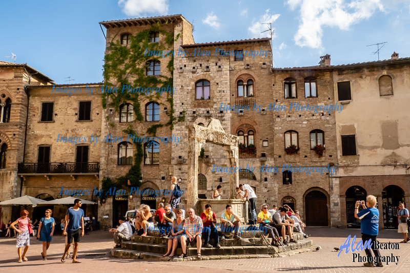 Central Plaza, San Gimignano