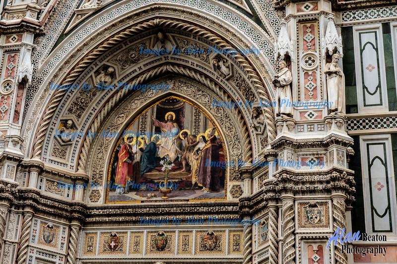 Florence, Duomo decorated door