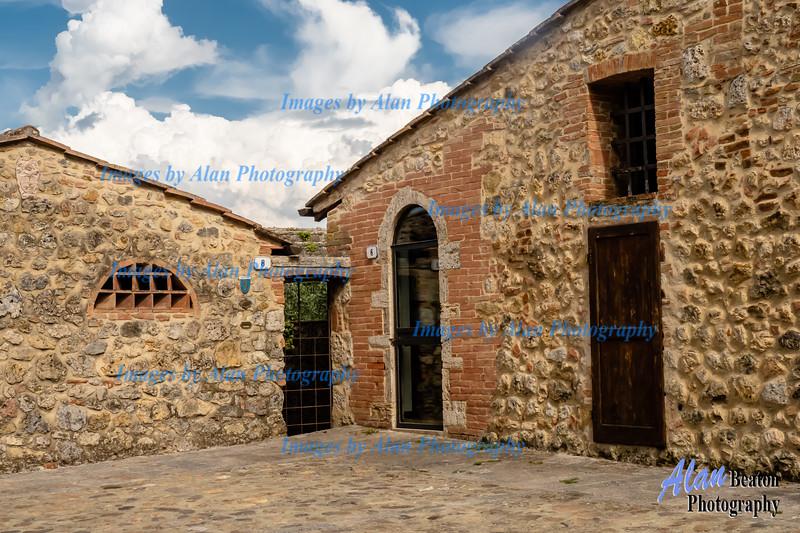 Interesting Structure, Monteriggioni