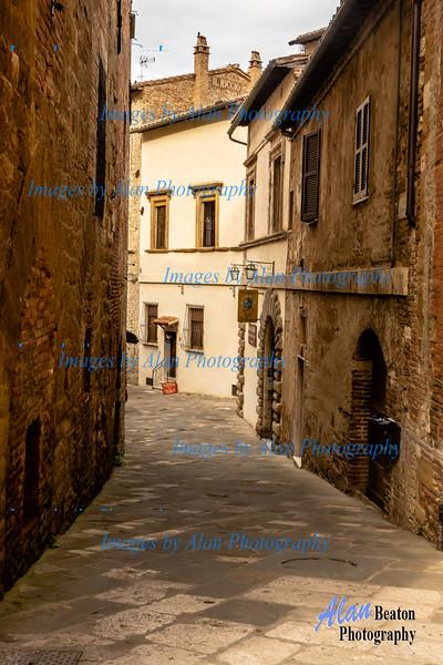 Quiet street, Montepulciano