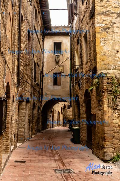 Quiet street, San Gimignano