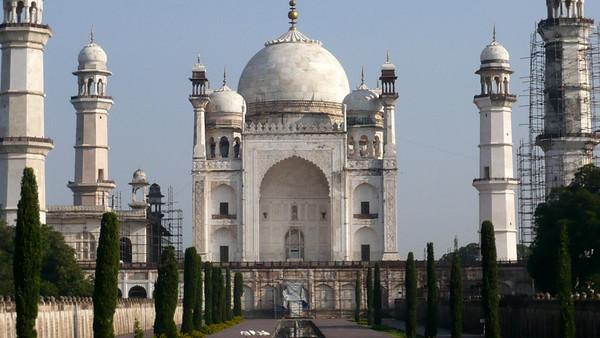 India - Aurangabad (via Ahmedabad)