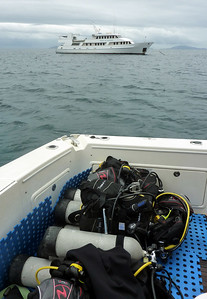 Preparing for dives at Ribbon Reef No.10, the world famous 'Cod-hole'