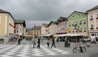 Main street in the town of Mond on the Mondsee.