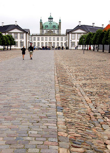 Four our 2nd castle of the day we visit Fredensborg Slot, one of the homes of the Danish royal family.