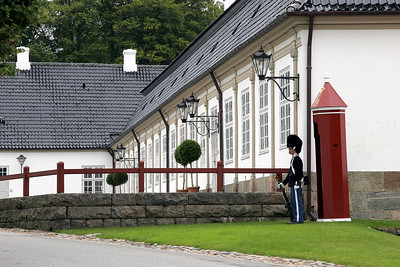 Guard, Fredensborg Slot.