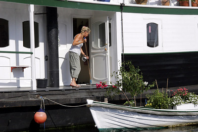 Life on a houseboat in the Christianshavn Canal area of København.