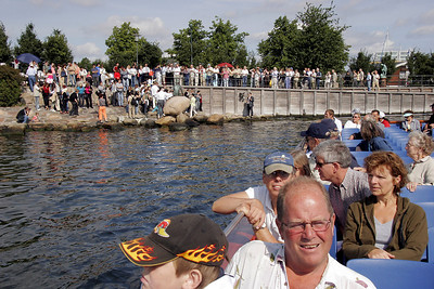 "The ""Little Mermaid"" is probably København's most well know sight.  Here you can see how mobbed she is by tourists."