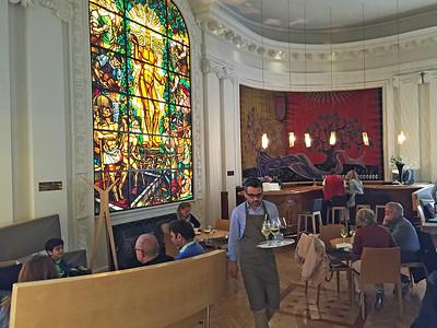 Maison du Vin is a wine bar associated with the Bordeaux Wine Museum.