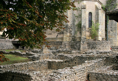 The old Romanesque church sits on top of the ruins, and is undoubtedly made of many stones from those ruins.