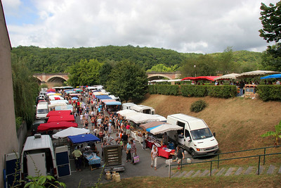 Market day in Les Eyzies de Tayac.