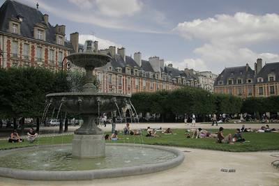 Place des Vosges, Marais district.