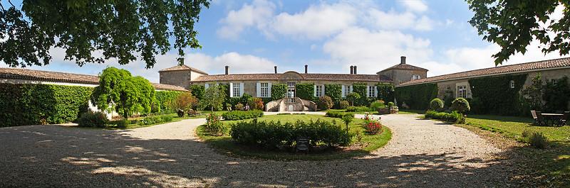 Chateau d'Arche ... 4-image panorama.