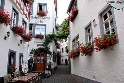 "Street of Beilstein (pronounced ""BILE-shteen"")."