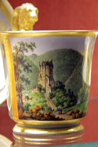 An old mug which depicts Burg Eltz in old time .. without scaffolding and a crane!