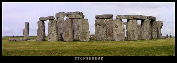 A 4-image panorama of Stonehenge.
