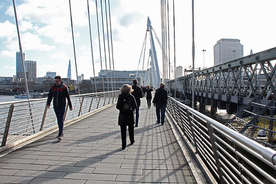 On our arrival afternoon we all went for a walk across the Golden Jubilee Bridge for pedestrians crossing the Thames River.
