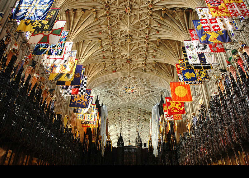 WEB-PHOTO :  Photography is not allowed inside St. George's Chapel.  This time I collected some photos off the internet so you could see the inside.  Here is the magnificent ceiling.