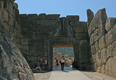 "The main gate into the hilltop city, from the outside .... note the famous ""Lion's Gate"" lintel above the opening."