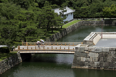 Moat bridge, Nijo Castle.