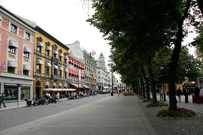 The central Oslo street, Karl Johans Gate.
